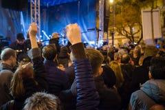 Meer dan 60 duizend mensen houden een anti-government verzameling in Bratislava, Slowakije op 16 Maart, 2018 Stock Foto