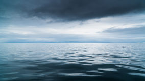 Meer, das mit dem Himmel verschmilzt Lizenzfreie Stockbilder