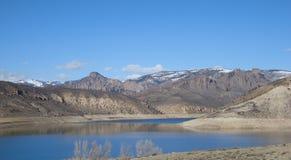 Meer in de bergen stock foto's