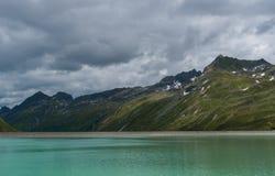 Meer in de bergen van Oostenrijk stock afbeelding