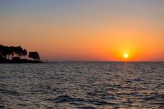 Meer in der Sonnenuntergangzeit Stockfoto