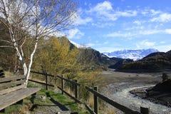 Meer en berg in Tena vallei, de Pyreneeën Stock Fotografie