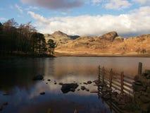 Meer en bergen, Langdale, Cumbria, Engeland stock foto's