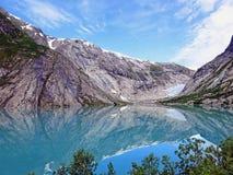 Meer en gletsjer Nigardsbreen in Noorwegen Stock Foto's