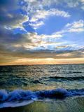 In Meer, es dämmern ` s ein schöner Anblick Stockbild