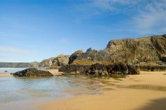 Meer, Felsen und Sand Lizenzfreies Stockbild