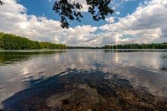 Meer Galve in Trakai stock afbeeldingen