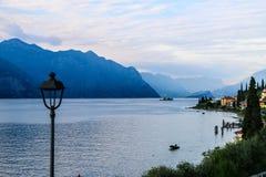 Meer Garda, Italië vroeg in de ochtend! Royalty-vrije Stock Afbeelding