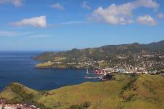 Meer, Gebirgsküste und Bucht Clare Valley, Heiliges-Visent und Grenadinen Lizenzfreie Stockbilder