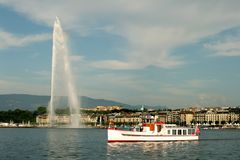 Meer Genève en fontein Stock Afbeeldingen