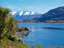 Meer Hawea, Nieuw Zeeland. Stock Foto's