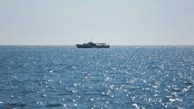 In Meer heraus segeln stock video footage