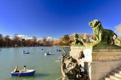 Meer in het Park van Gr Retiro, Madrid Royalty-vrije Stock Afbeelding