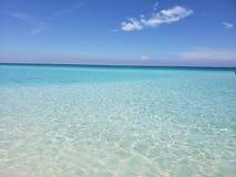 Meer, Himmel und seine Schatten des Blaus stockbild