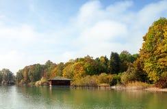Meer im Herbst stockfotos