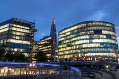 Meer Londen met de Scherf op achtergrond stock afbeelding
