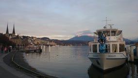 Meer Luzerne - Boten op meer in Zwitserland Royalty-vrije Stock Foto