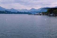 Meer Luzerne van de Stad van Luzerne (Zwitserland dat) wordt gezien Stock Foto's