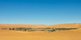 Meer Mandara - de Oase van de Woestijn, de Sahara, Libië royalty-vrije stock foto