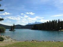 Meer Minnewanka - het Nationale Park van Banff, Canada royalty-vrije stock afbeelding