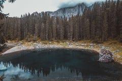 Meer Misurina in de Alpen Royalty-vrije Stock Fotografie