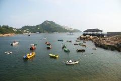 Meer mit Booten Lizenzfreie Stockfotos