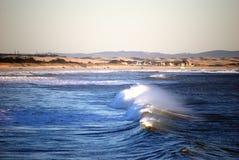 Meer mit Wellen Stockfoto