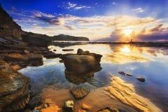 Meer-Narrab-Pfütze reflektieren sich stockbilder