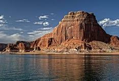 Meer Powell Colorful Cliffs en Rotsvormingen Royalty-vrije Stock Foto's