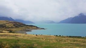 Meer Pukaki in Nieuw Zeeland op Roadtrip royalty-vrije stock fotografie