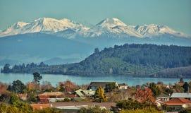 Meer Rotorua Zwitserland Cityscape Nieuw Zeeland stock foto's