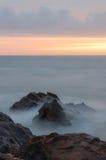 Meer am Sonnenuntergang Lizenzfreies Stockfoto
