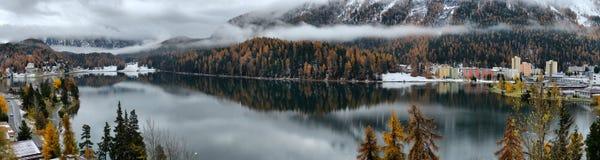Meer St Moritz in de herfst Stock Afbeeldingen