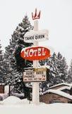 Meer tahoe ca Tahoe Koninginmotel het klassieke teken sneeuwen royalty-vrije stock foto's
