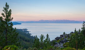 Meer Tahoe - Dawn Light royalty-vrije stock fotografie
