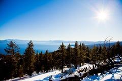 Meer Tahoe in de winter stock afbeelding