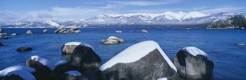 Meer Tahoe in de winter royalty-vrije stock fotografie
