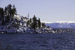 Meer Tahoe - Meer met Sneeuw stock afbeelding