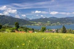 Meer Tegernsee in Beieren, Duitsland stock foto