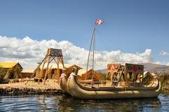 Meer Titicaca, Uros Islands, Puno, Peru - September 25, 2012 Royalty-vrije Stock Foto