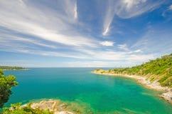 Meer und blauer Himmel Stockfotografie
