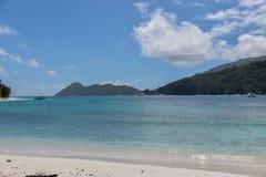 Meer und Himmel von Seychellen stockbilder