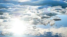 Meer van de ijs het blauwe gletsjer stock video