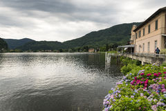 Meer van Lugano in Ponte Tresa Stock Foto's