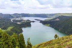 Meer van Sete Cidades op het eiland van Saomiguel, de Azoren, Portugal royalty-vrije stock fotografie