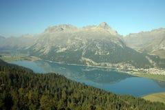 Meer van Silvaplana, Zwitserland Royalty-vrije Stock Afbeeldingen