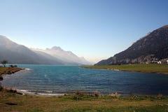 Meer van Silvaplana, Zwitserland stock fotografie