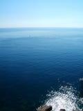 Meer vom Ufer Lizenzfreie Stockfotografie