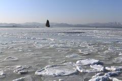Meer von Japan abgedeckt mit Eis Stockfotografie