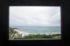 Meer von Okinawa, zum von des Hotels zu betrachten Lizenzfreie Stockfotografie